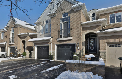 169 Tawny Cres | Oakville | $