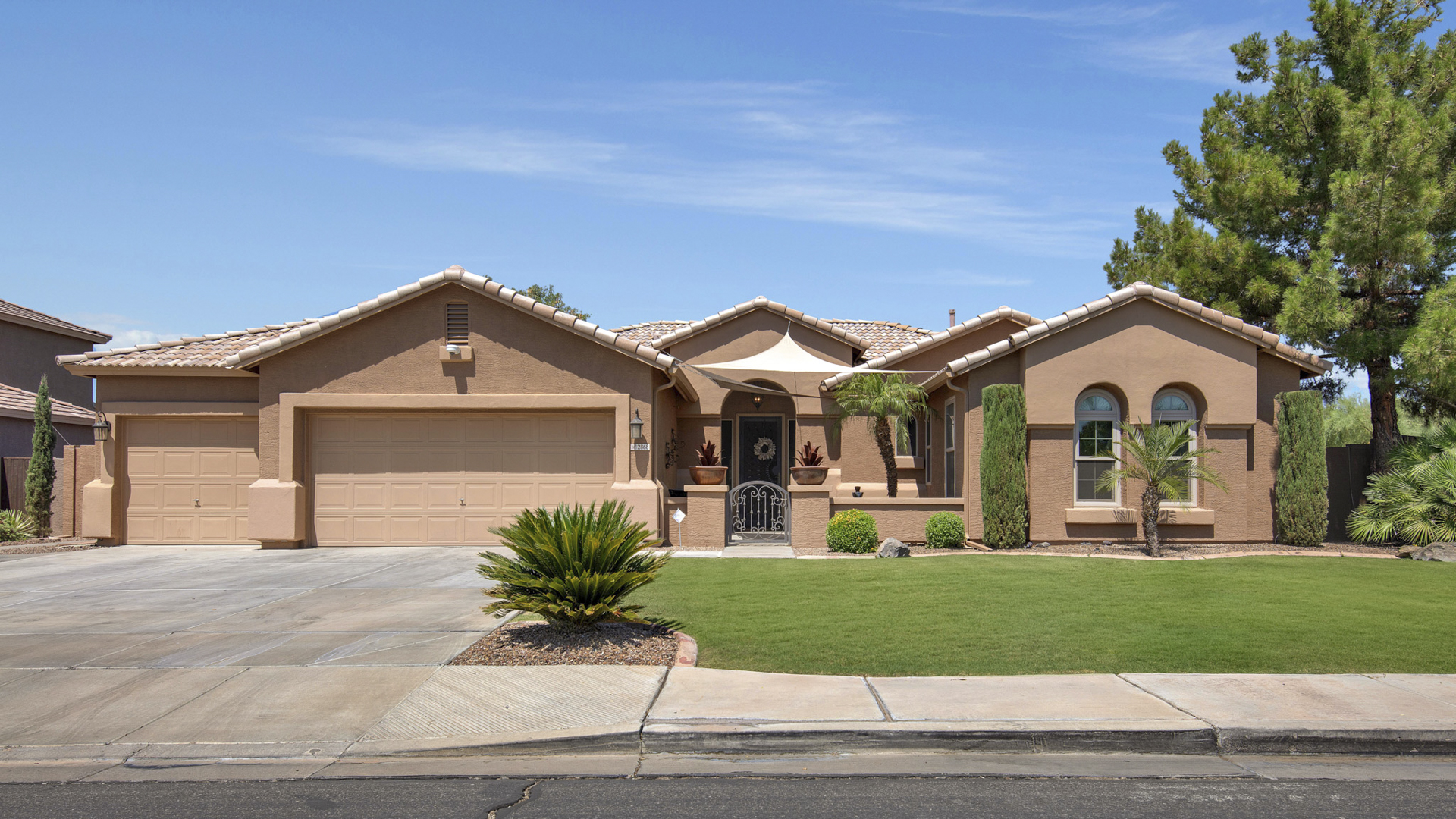 SOLD IN A WEEKEND - 2868 S Cottonwood Drive, Gilbert, AZ 85295 - Allen Ranch | Amy Jones Group