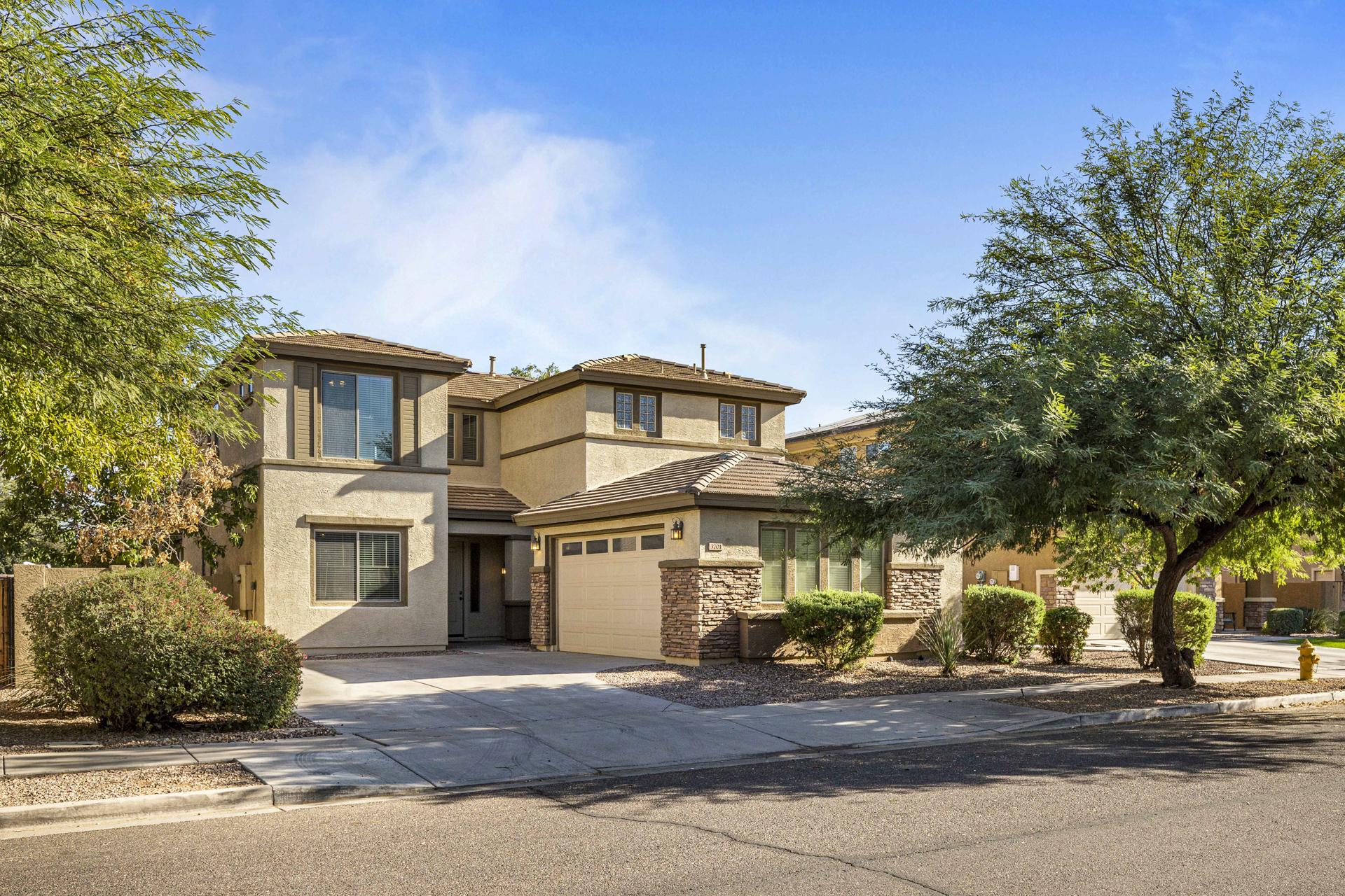 HOT LISTING - 3701 S Vineyard Ave, Gilbert, AZ 85297 - Power Ranch | Amy Jones Group