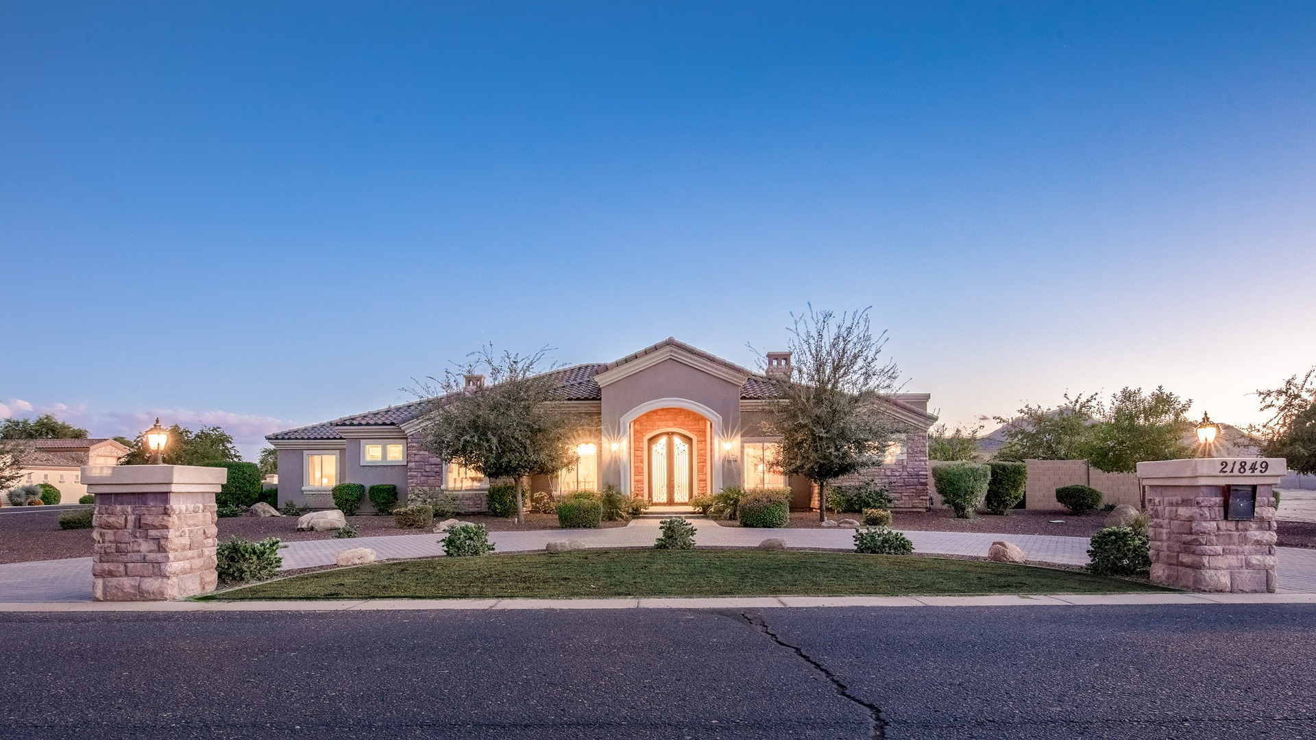 New Price! 21849 E Pegasus Pkwy Queen Creek, AZ 85142 - Pegasus Airpark | Amy Jones Group