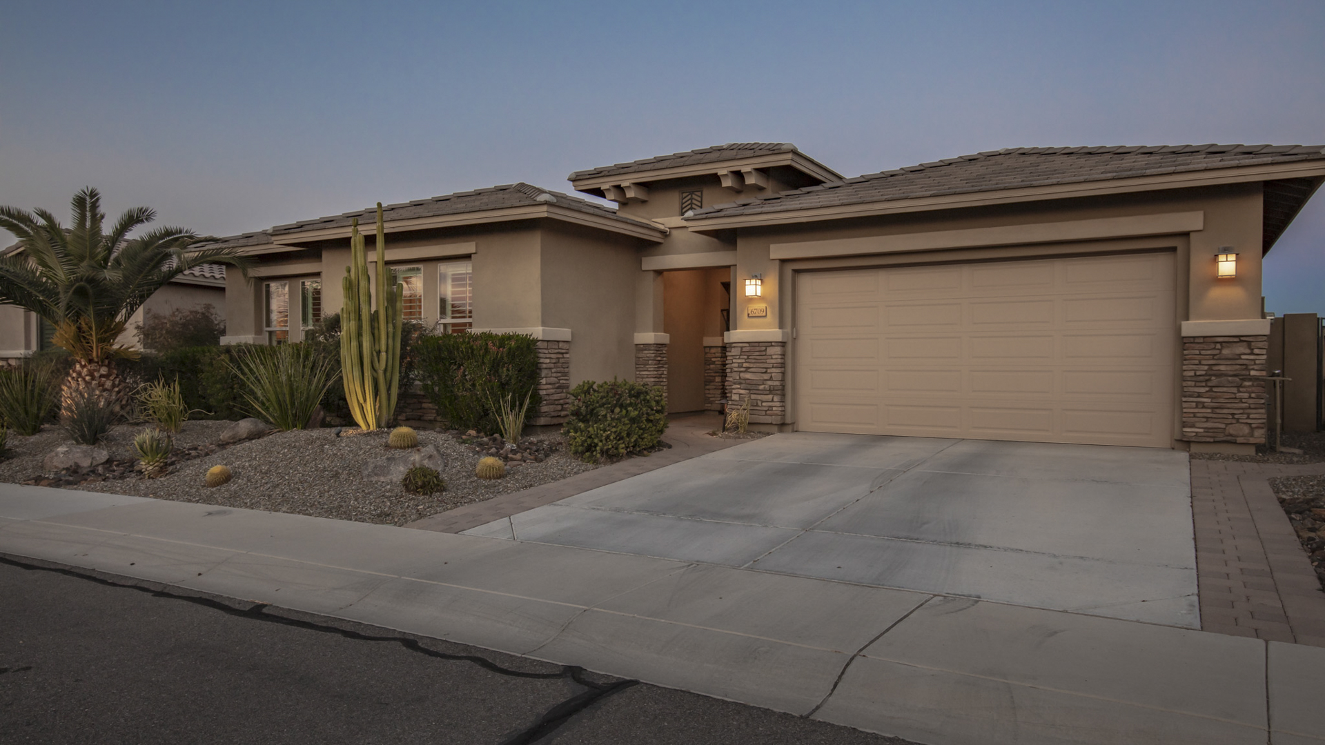 Price Change! 6709 S Lyon Drive, Gilbert, AZ 85298 - Seville | Amy Jones Group