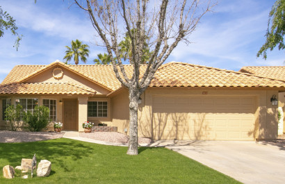 2372 W Redwood Dr. Chandler, AZ 85248 - Waters Edge at Ocotillo | Amy Jones Group