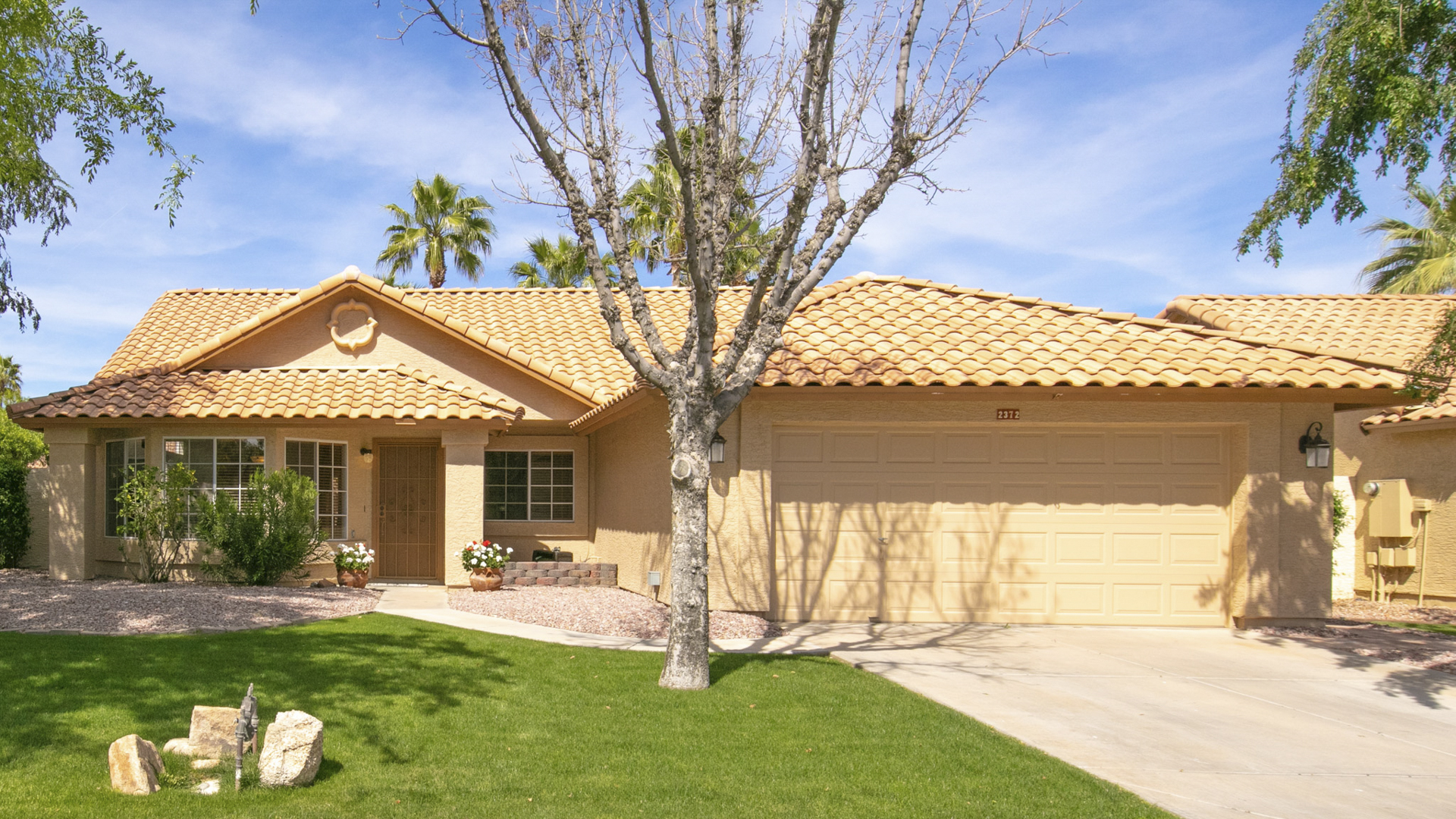 Under Contract! 2372 W Redwood Dr. Chandler, AZ 85248  - Waters Edge at Ocotillo | Amy Jones Group