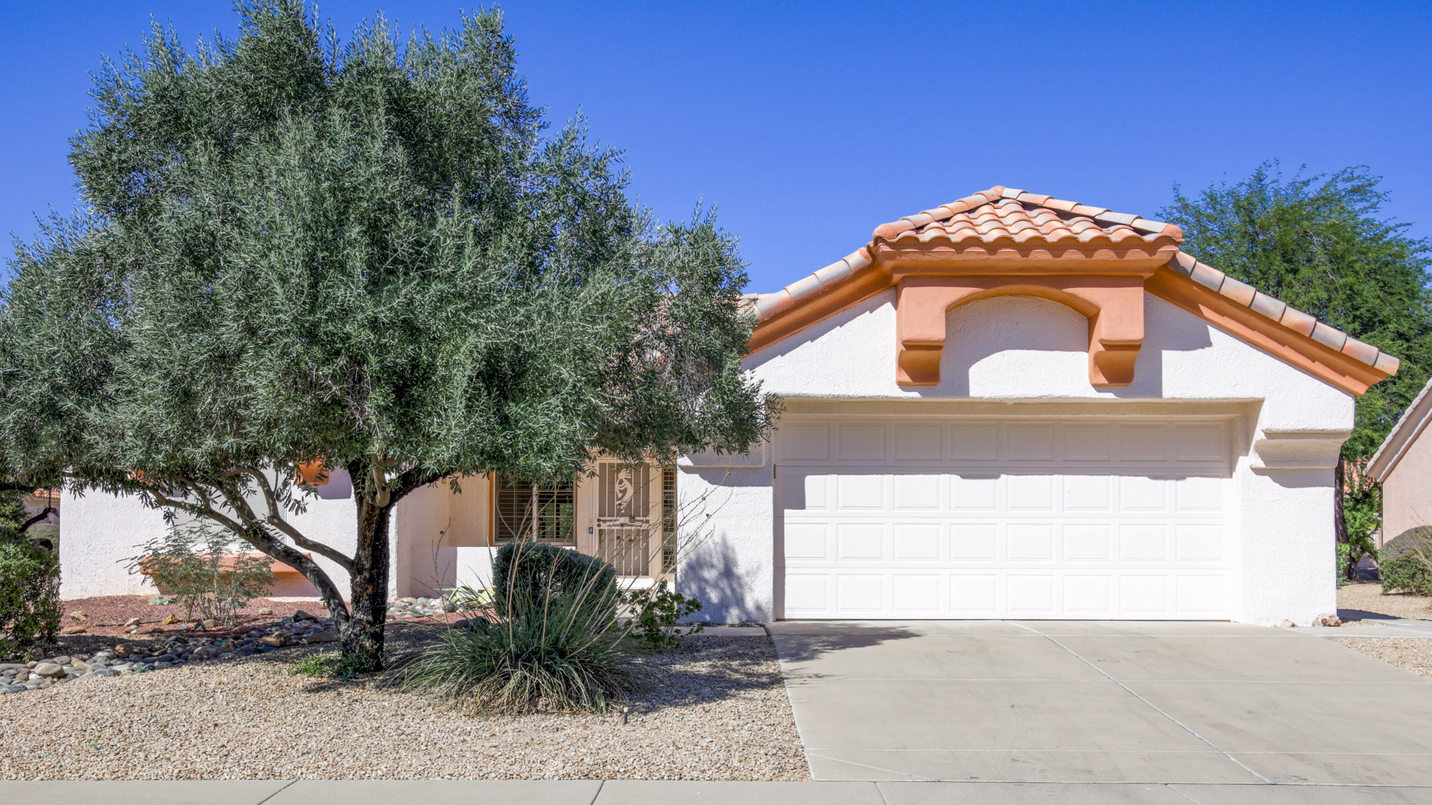 HOT LISTING - 14420 W Pecos Lane- Sun City West | Amy Jones Group