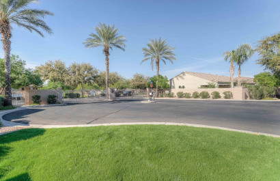 2053 S Essex Avenue Mesa, AZ 85209 | Riverstone at Superstition Springs