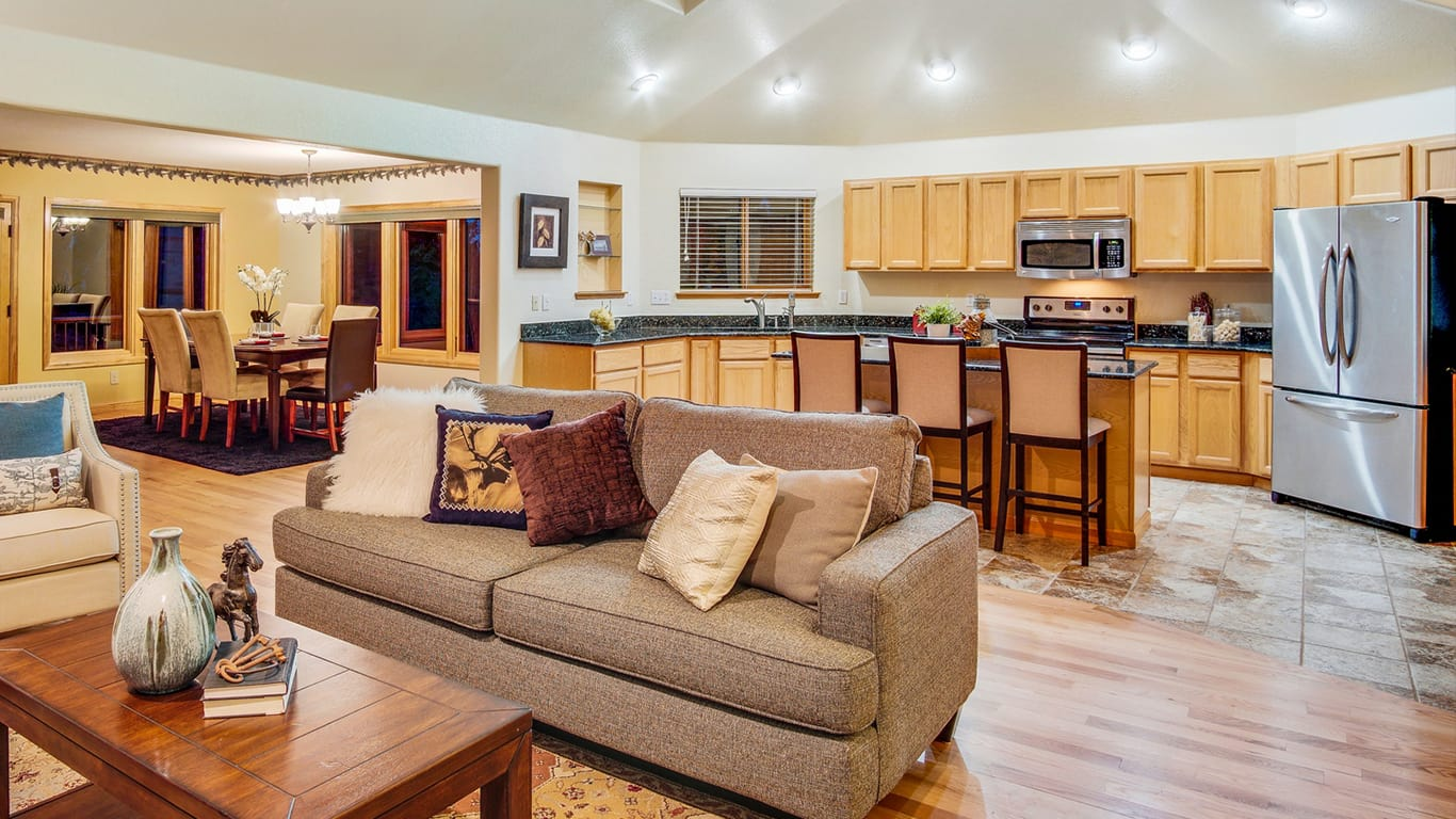 9590 Warhawk Conifer kitchen
