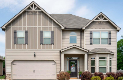 [Featured Listing] Spacious, Newer Five Forks/Simpsonville Home Copy