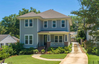 [Featured Listing] Move in Ready Home Near Downtown