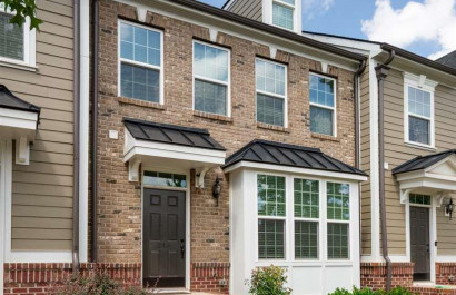 [Featured Listing] Low-Maintenance Town Home