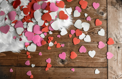 Give Your Bedroom A Romantic Valentine's Day Twist