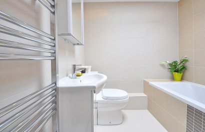 Bathroom Cleaning Tips & Tricks