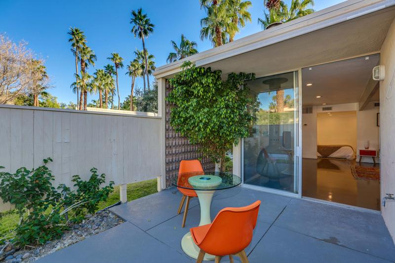 360 Cabrillo Road #231, Palm Springs, CA 92262 - patio