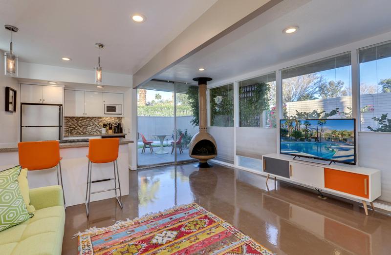 360 Cabrillo Road #231, Palm Springs, CA 92262 - living room