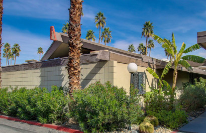 Royal Hawaiian Estates Condo // The Paul Kaplan Group Palm Springs Real Estate Blog