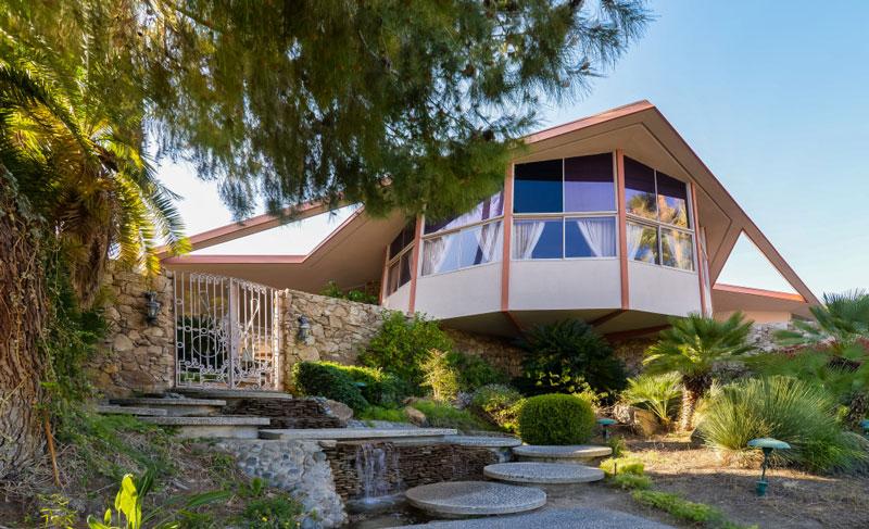 The House of Tomorrow / Elvis Honeymoon Hideaway