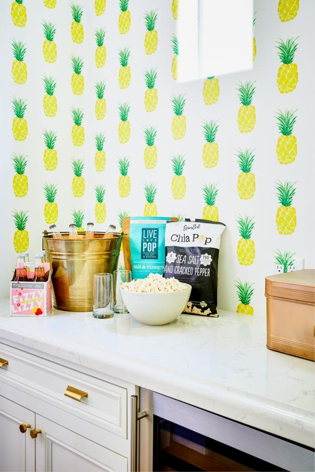 Kitchen With Pineapple Wallpaper