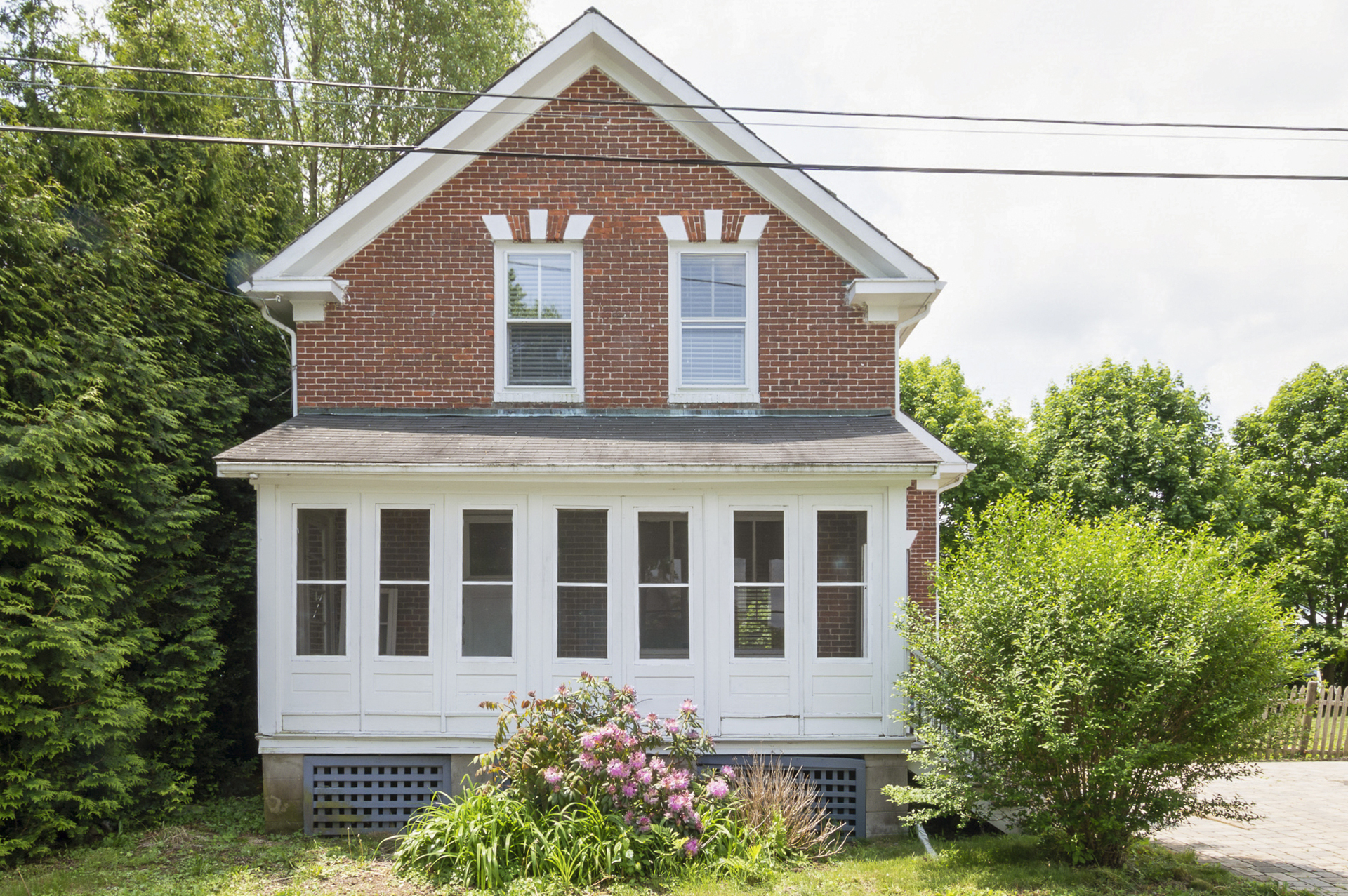 10 Lowe Ave , Warwick | Sat 6/8 11:00 - 1:00pm &Sun 12:00 to 2:00