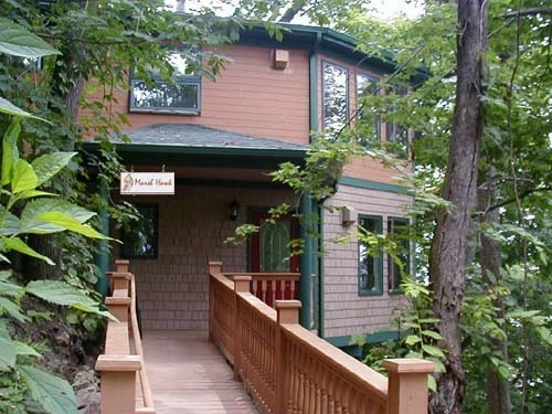 Hawks View Cottages and Lodges