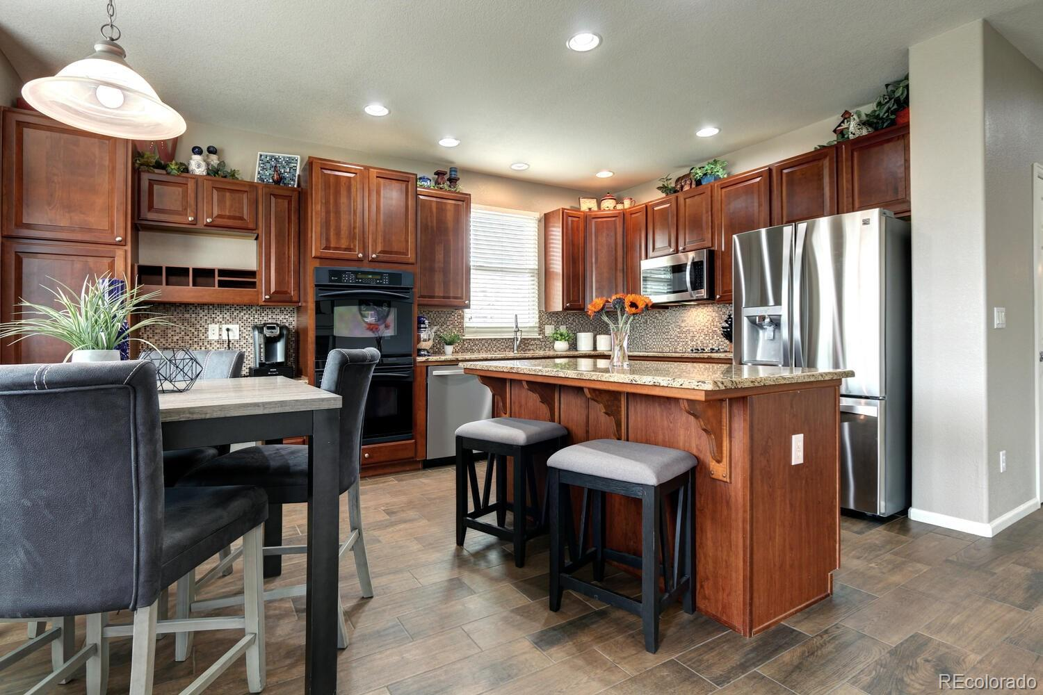 Need a home for a big family? Take a look at this gorgeous house with 5 bedrooms!