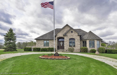 EXECUTIVE LIVING | QUIET COUNTRY SETTING