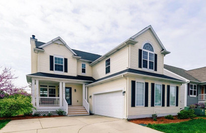 Stunning 5 Bed, 3.5 Bath Home In Village Place  In Grand Ledge, MI