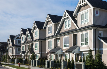 The Difference Between a House, HOA, Co-op and Condo
