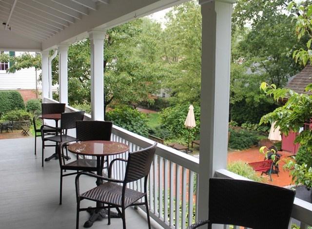 Waterfront Outdoor Restaurants On