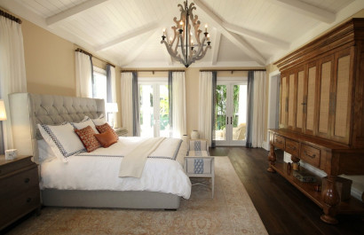 How to Make Your Master Bedroom Feel Like An Oasis