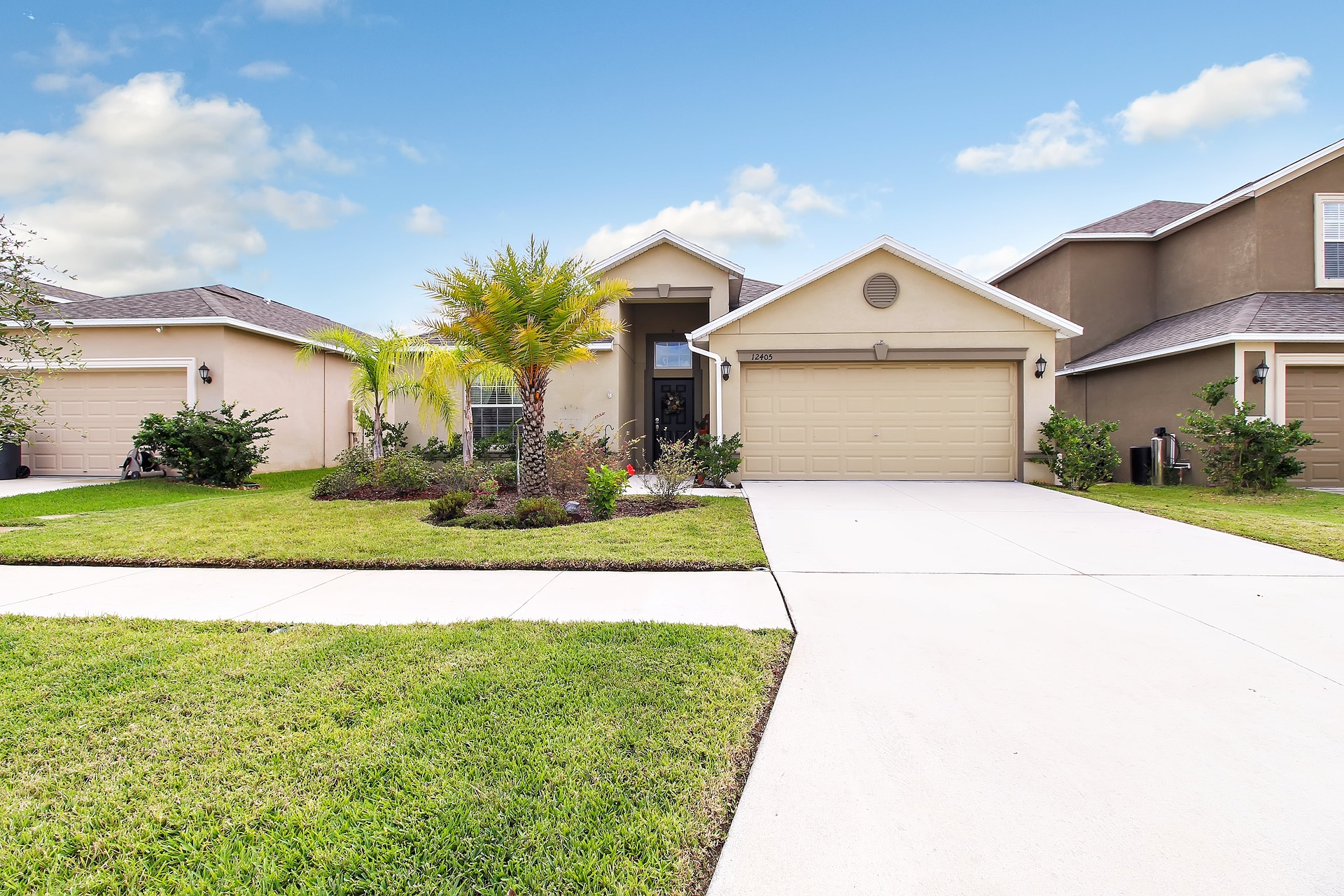 Beautiful Home in Riverview!