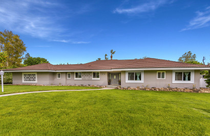 Stunning Single Story Ranch Style Home with over 3000 sqft!