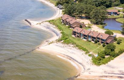Carefree Beachfront Retreat