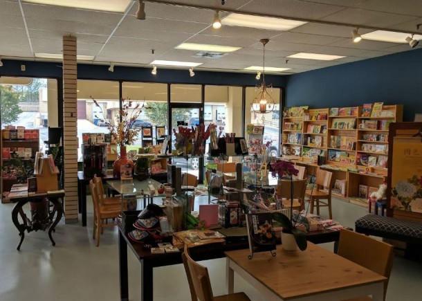 Maomi Bookstore