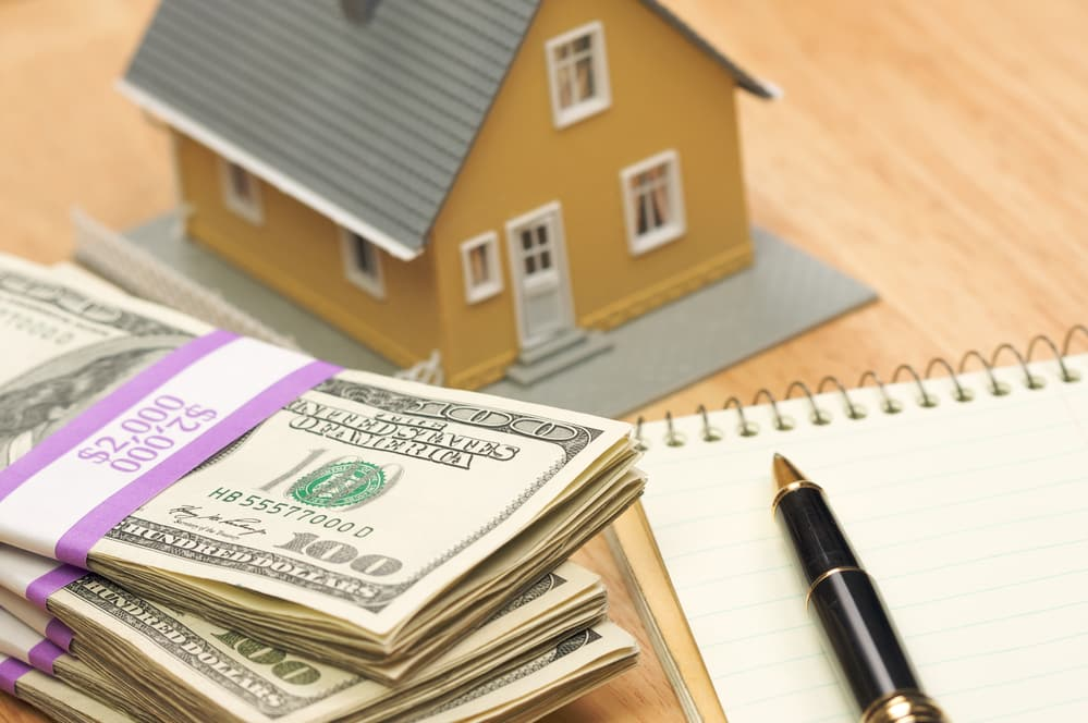 Role of Earnest Money in Buying a House