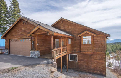 JUST LISTED - King of the Mountain Family Home!