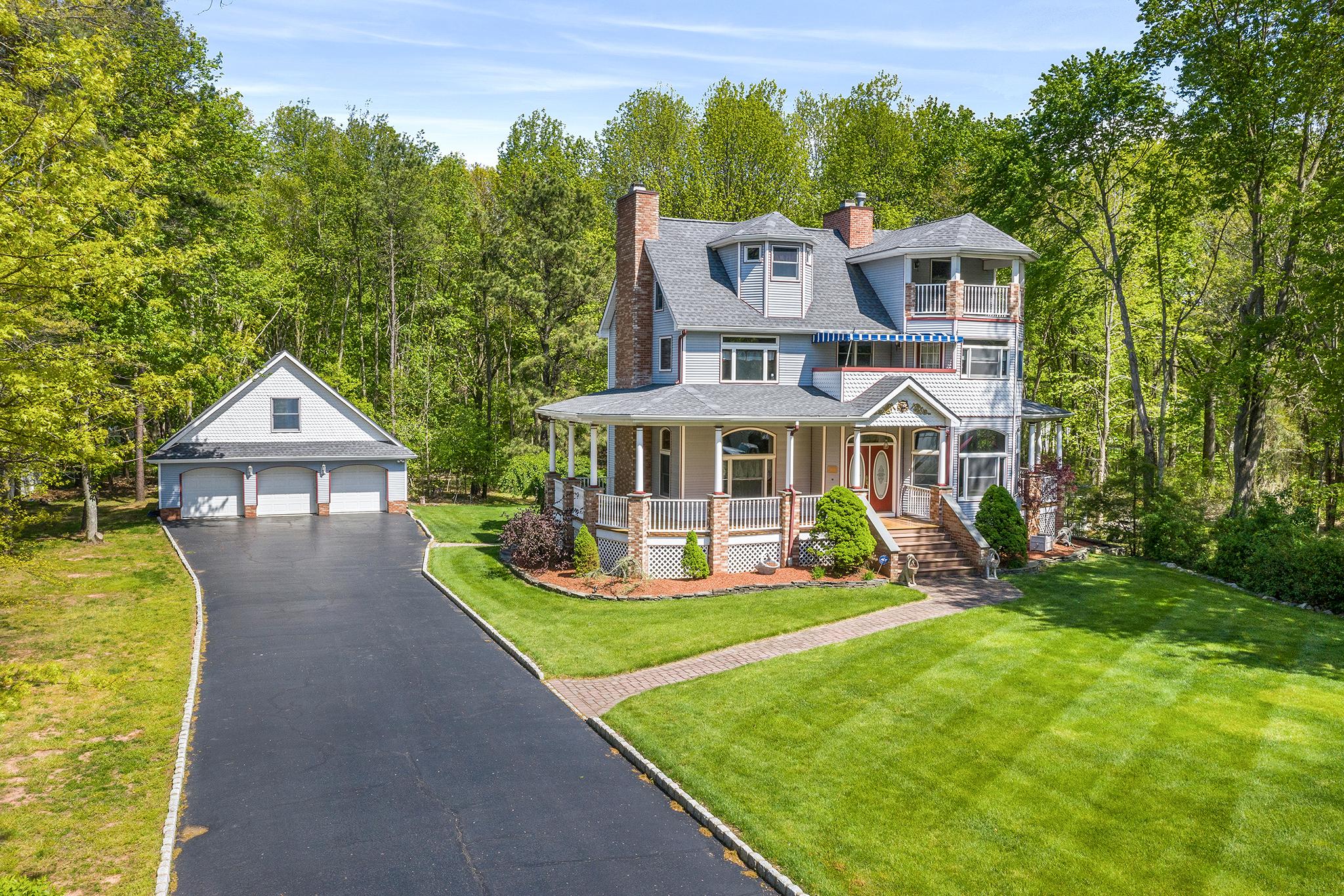 422 Spotswood Gravel Hill Road | Monroe, NJ 08831