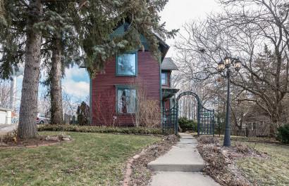 Rare Victorian Home!