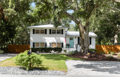 Charming Coastal Cottage | Isle of Palms, SC