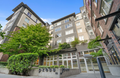 Just Listed: Top Floor Studio at the Desirable Press Condos
