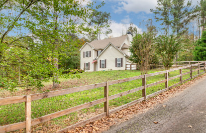 New List | Family Home on 1 Acre Lot UNDER $250K