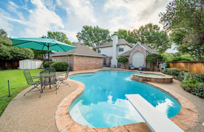 10 Homes With a Pool for Under $450,000