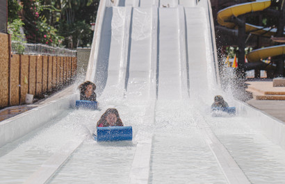 Dallas-Fort Worth Amusement & Water Parks