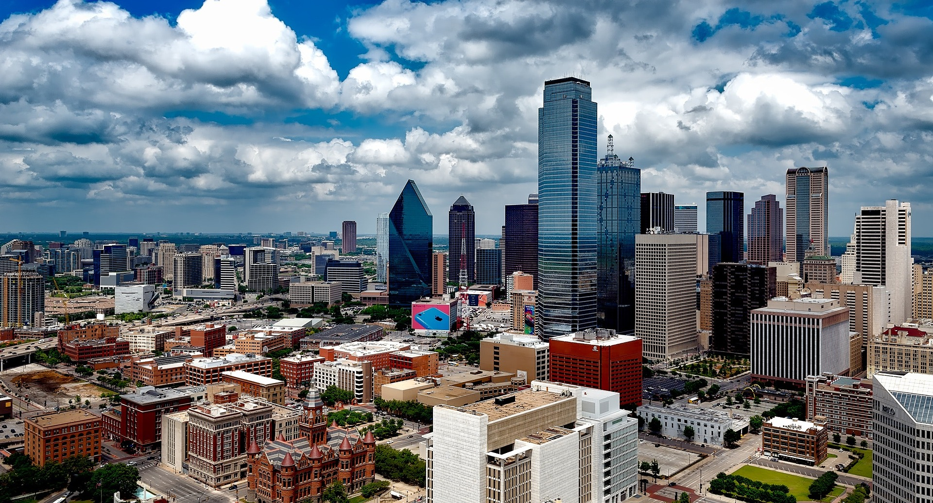 7 Best Dallas Suburbs for Millennials to Buy