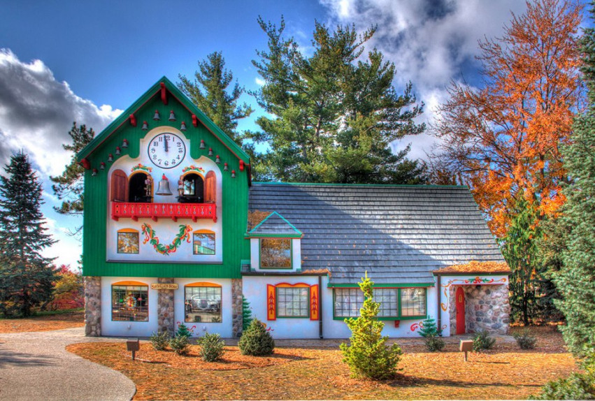 Midland's Santa House