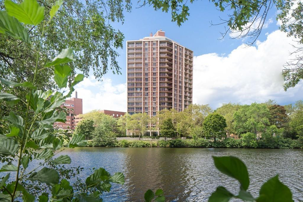 1010 Memorial Drive Unit 10C, Cambridge MA