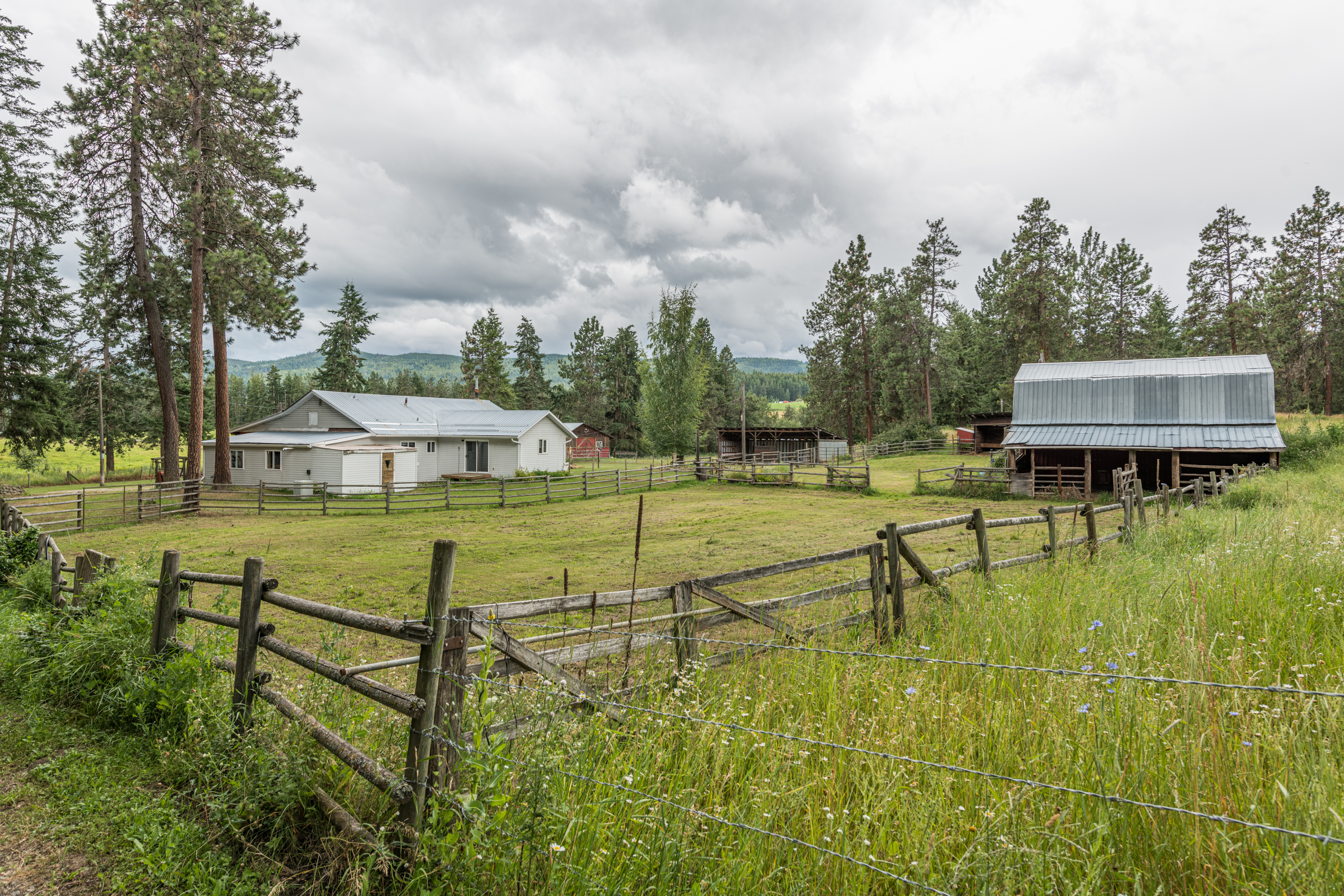 4704 Salmon River Rd Armstrong, BC   $699,900