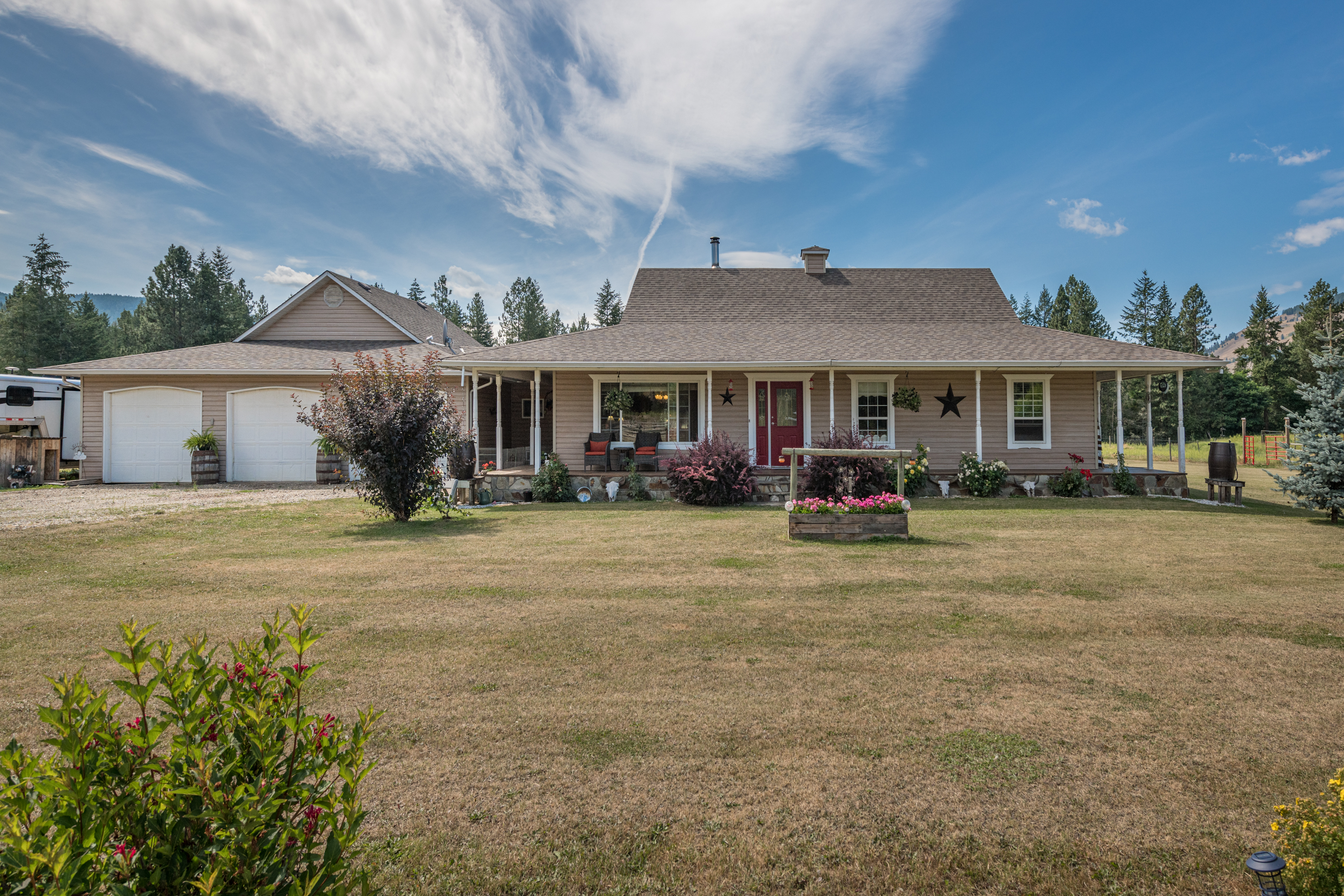 4858 Salmon River Rd | Armstrong, BC | $789,000