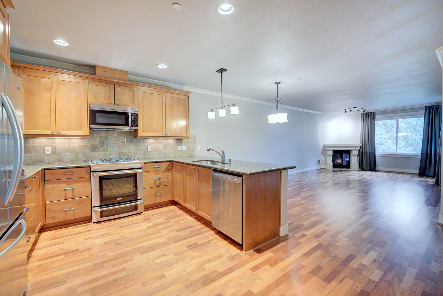 Two Bedroom Issaquah Rental Condo | 18609 SE Newport Way #303, Issaquah | RE/MAX Integrity Property Management
