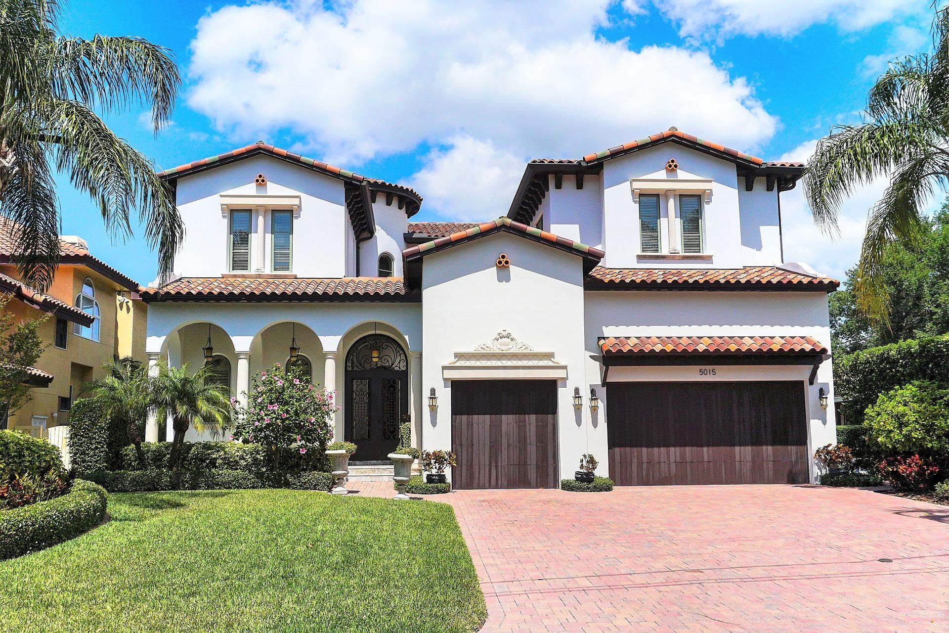 Waterfront Home | 5015 W Spring Lake Dr. | Tampa, FL