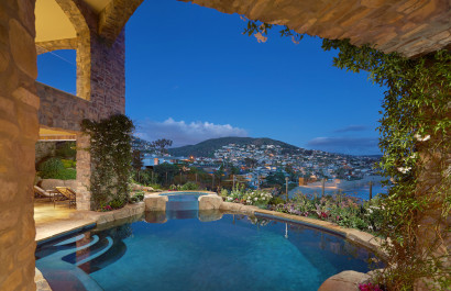 168 Emerald Bay sold With The Smith Group