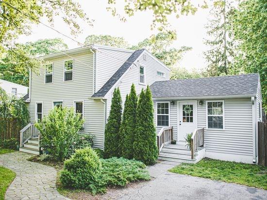 83 Spring Grove Ave, Warwick, Rhode Island